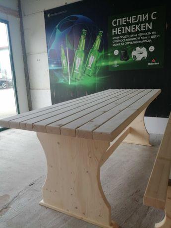 Дървена маса градинска