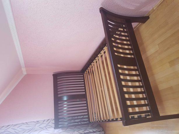 pat din lemn masiv cu saltea