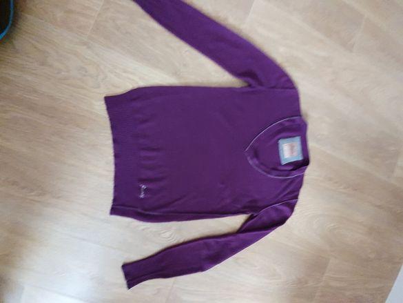 Лилав пуловер