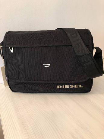 Стилна чанта Дизел (Diesel) от качествен здрав плат