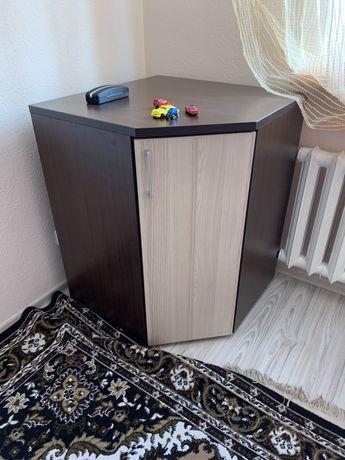 объемный Угловой шкаф и комод