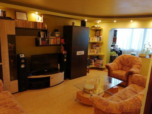 Vand apartament 3 camere, 65mp, Deva, str. Bejan, et. 2 din 4