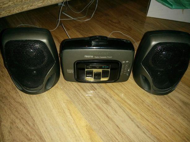Casetofon/Walkman cu radio si boxe