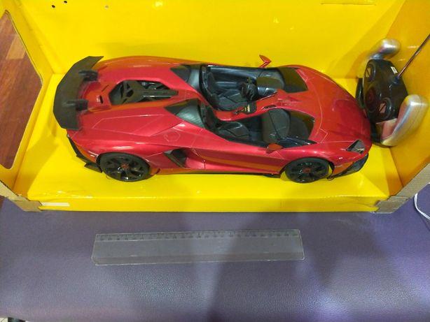 Masina Lamborghini Aventador cu telecomanda, culoare grena.