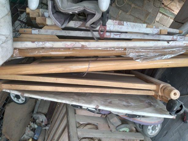 Манеж деревянный