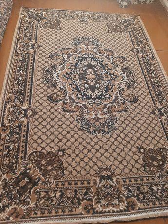 Продам ковёр,  размер ковра 2× 3 ,  в хорошем состоянии.