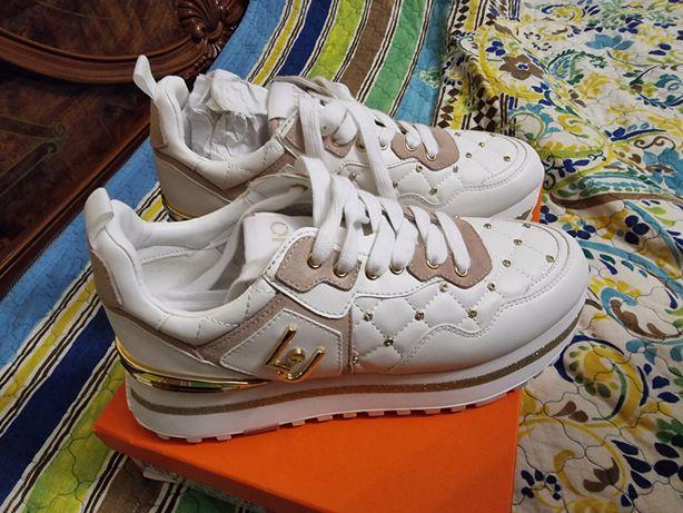 Обувь кроссовки белый цвет