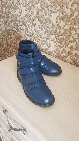 Ботинки осенние. Размер-34.
