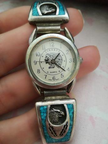 Кварцов часовник с тюркоаз с нова батерия
