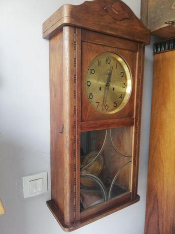 Продавам старинен немски стенен часовник