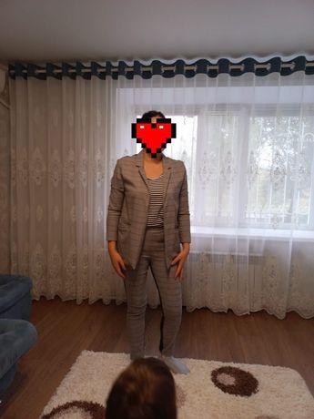 Продам костюм женский