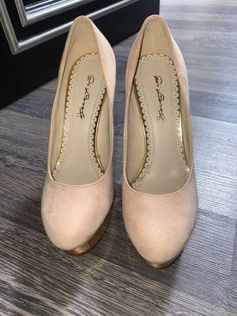 Женские туфли charlotte olympia