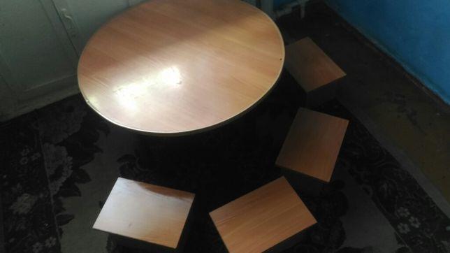 Мебель кухонная и спальни