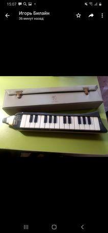 Продам инструмент Melodica 26 piano производства Германия