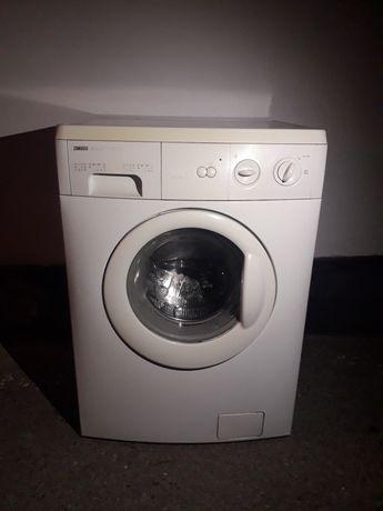 Продам стиральную машину ZANUSSI
