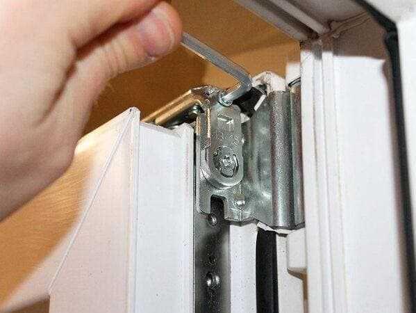 Ремонт пластиковых окон, москитные сетки регулировка двери ручки.