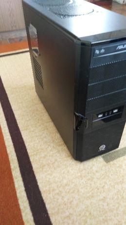 Четириядрен настолен компютър с процесор Intel core i5 4440