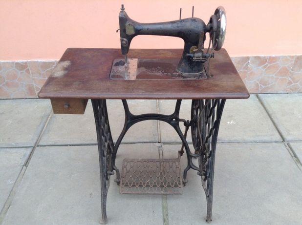 Mașina de cusut Singer de colecție 1894