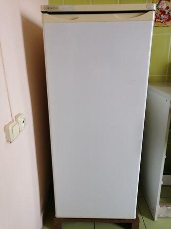 Холодильник белый