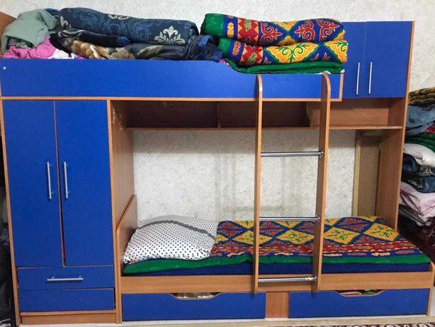 спальный гарнитур, двухъярусная кровать