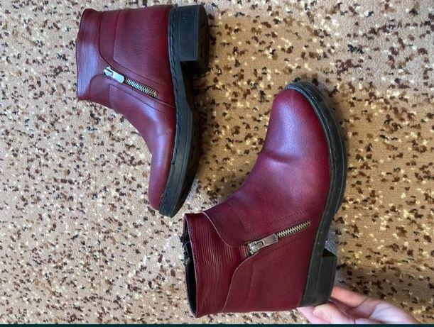 Продам ботинка состаяные хорошо