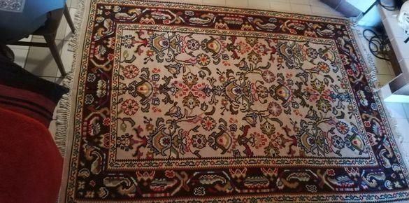 Автентичен чипровски килим