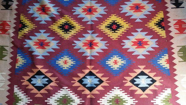Covor autentic oltenesc vechi din lana