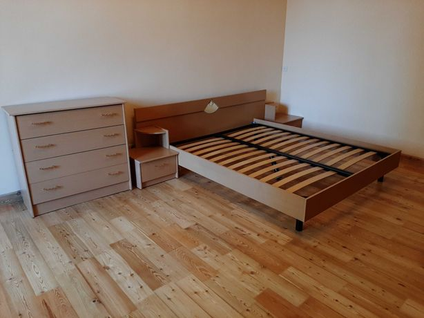 Двухспальная кровать+2 тумбочки+комод
