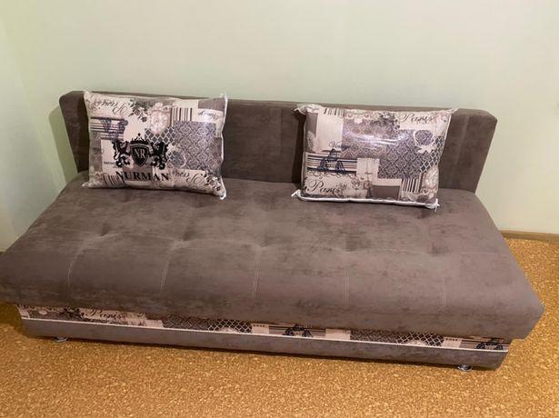 Продается диван в использовании меньше месяца новый