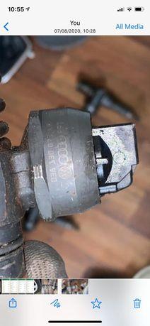 Vând injectoare Passat B5 2005