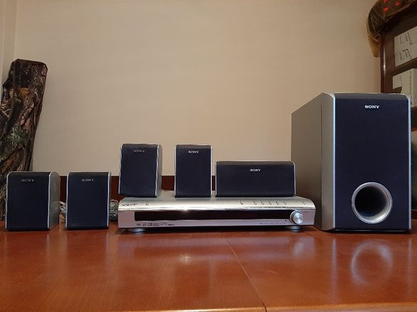 DVD система за домашно кино SONY DAV-DZ 100