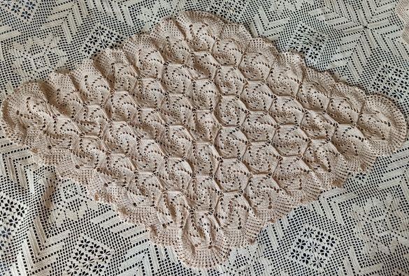 Ръчно плетени покривки и карета