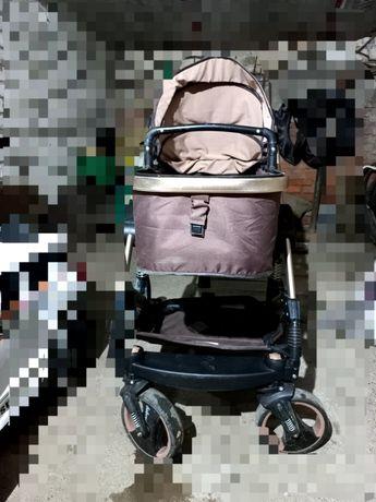 Продам коляску всесезонную в хорошем состоянии, стул для кормления