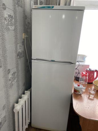 Холодильник продам 50.000