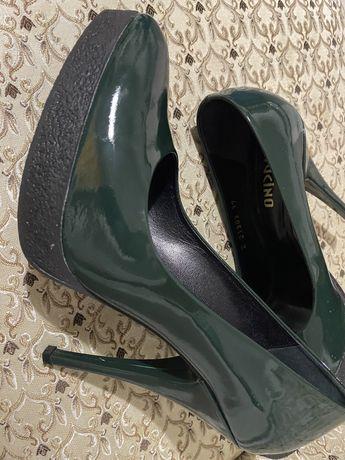 Туфли в отличном  состоянии носила только один раз