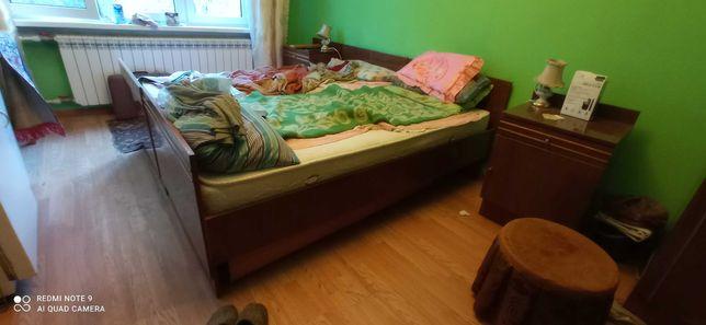 Шкафодежный полированый , кровати 2шт, тумбочки 2 шт. Самовывоз