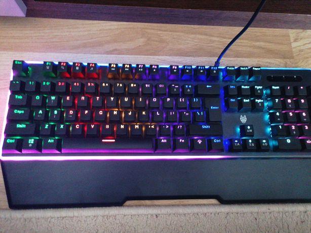 Vând tastatura, mouse logitech g102 white, mouse pad Spacer