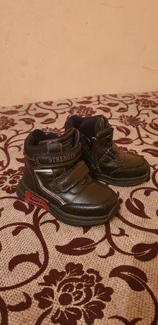 Осеняя детская обувь 3000