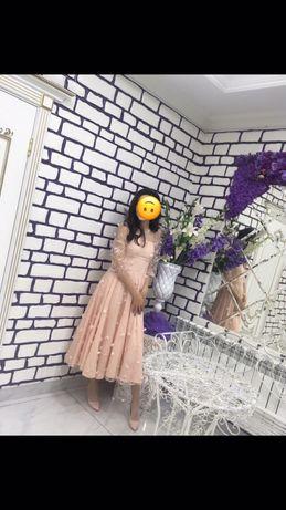 Нежное платье французской длины / красивого цвета               платья