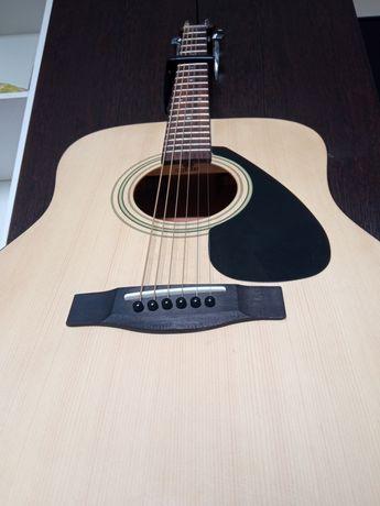 продам гитару Yamaha срочно