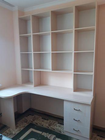 Книжная полка и компьютерный стол+шкаф в компоекте