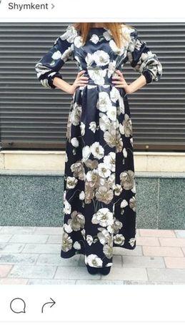 Новое платье казахстанского дизайнера