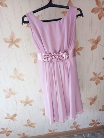 Продам платье розового цвета