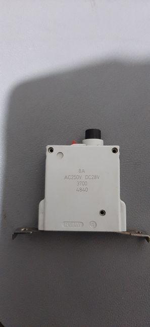 Intrerupator circuit electric auto/siguranta automata 28v, 8A
