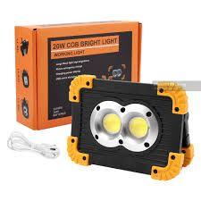 Фенер 3 вида светлина, с батерия от която може да се зарежда телефона