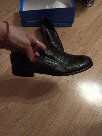 Продам туфли подростковые р.37