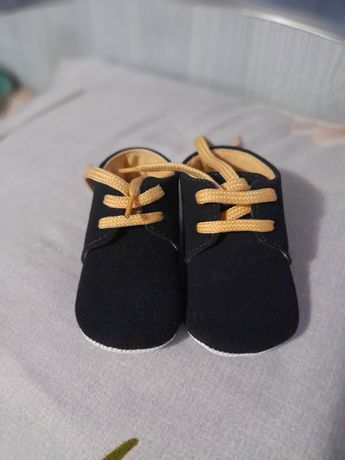 Vand pantofi bebelusi