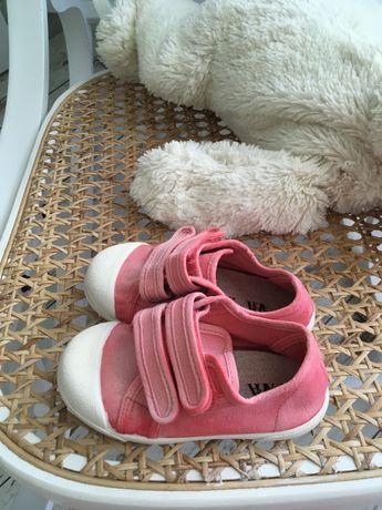 Детски обувки Зара бебе ( платненки, кецове, сникърси ) номер 22