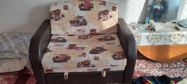 Продам детский диван для мальчика