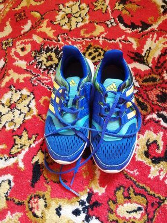 Оригинални маратонки на Adidas